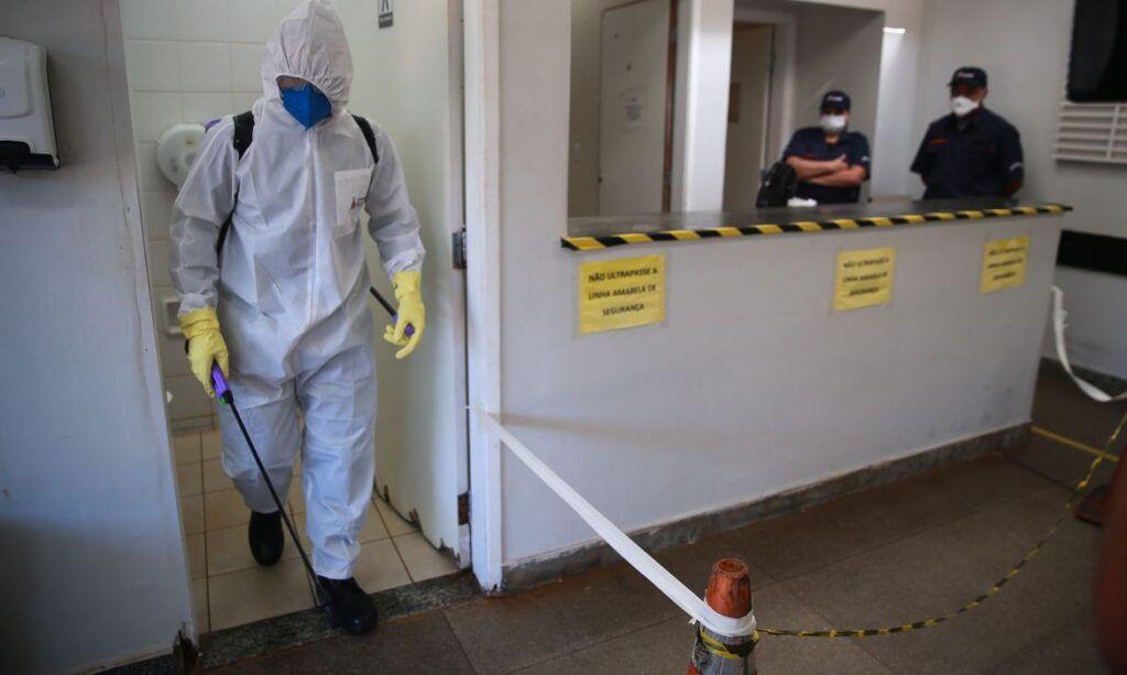 Mortes por covid-19 no Brasil chegam a 299; casos sobem para 7.910