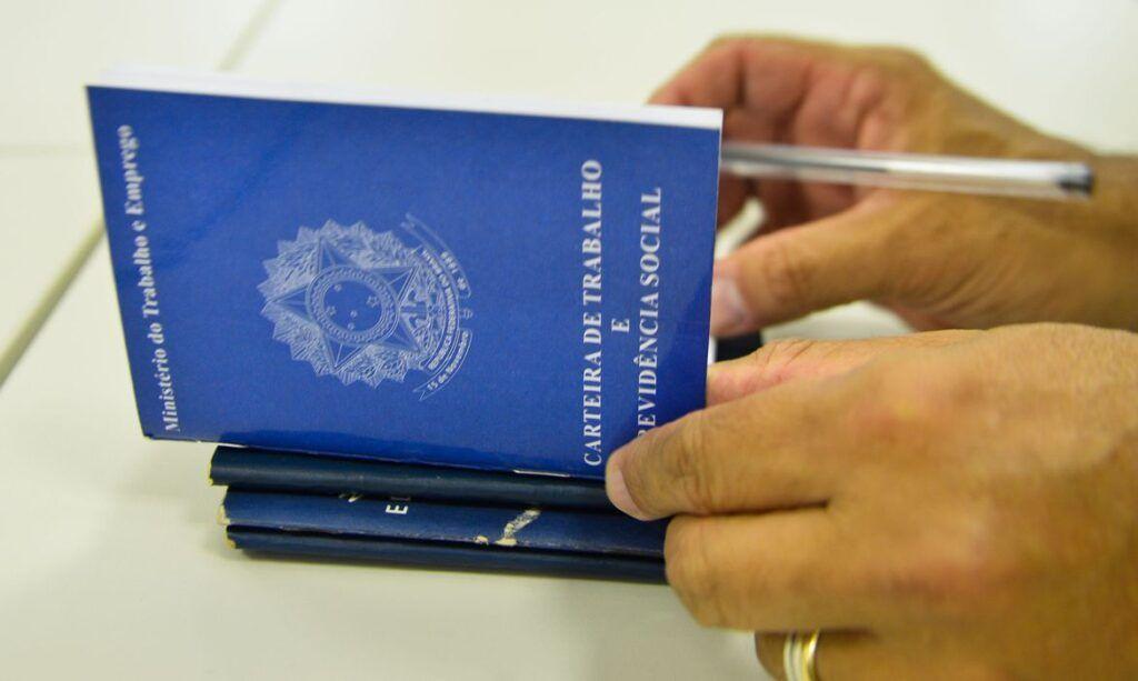 empregado suspenso do trabalho receberá até 100% do seguro-desemprego