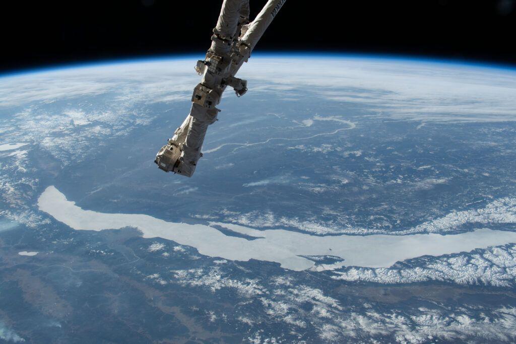 Após 9 anos, Nasa anuncia missão tripulada ao espaço