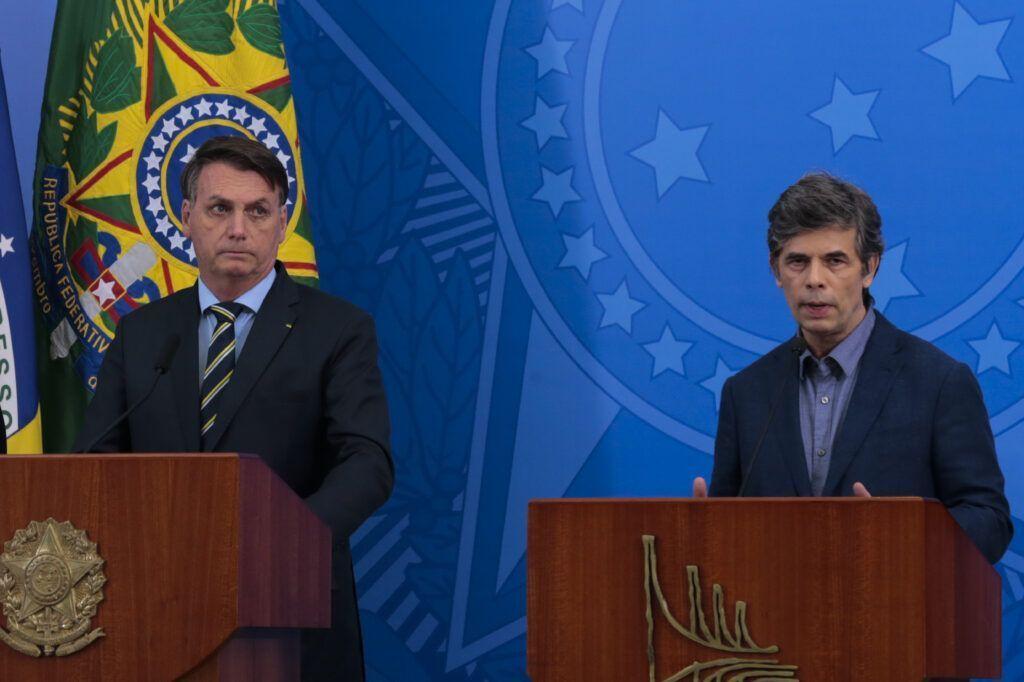 Em posse de ministro, Bolsonaro fala em encerrar o isolamento