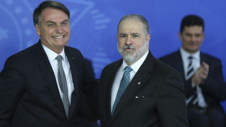 Bolsonaro diz que pode indicar Aras ao STF caso um dos ministros 'desapareça'