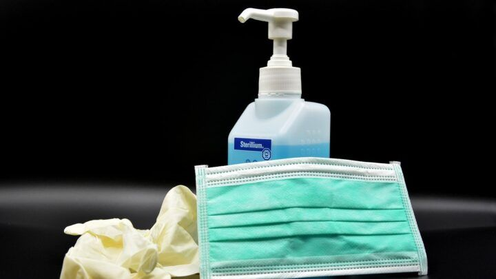 IFRN amplia produção de máscaras, álcool em gel e produtos de limpeza