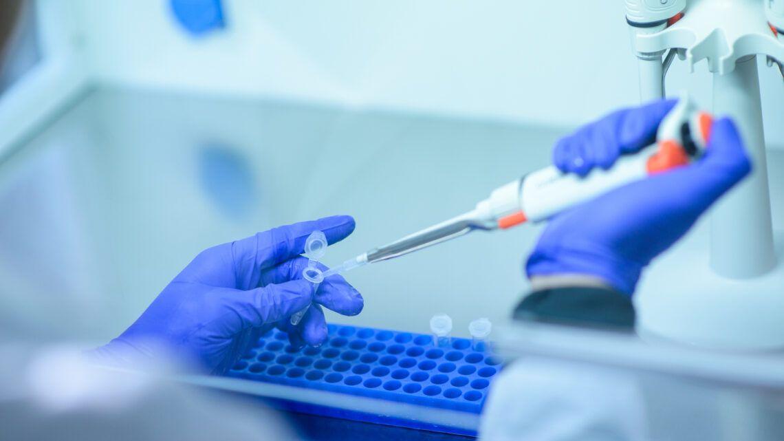 Empresa dos EUA tem resultado positivo em vacina contra Covid-19