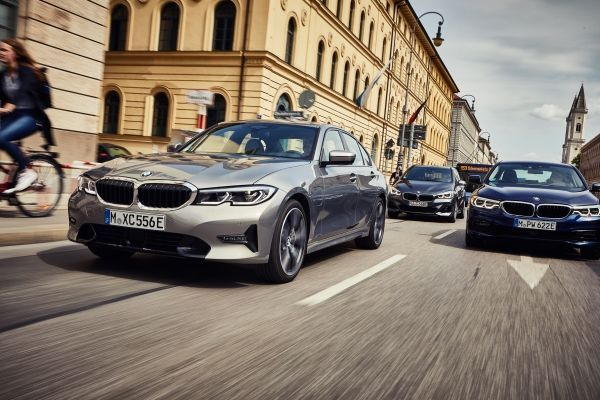 Novo BMW 330e M Sport chega ao Brasil