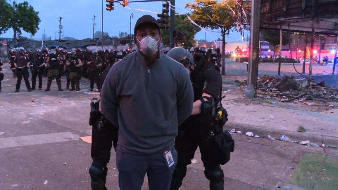 Repórter da CNN é preso durante cobertura ao vivo de protesto