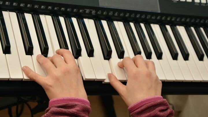 Em tempos de isolamento social, cresce o interesse por aprender música na internet