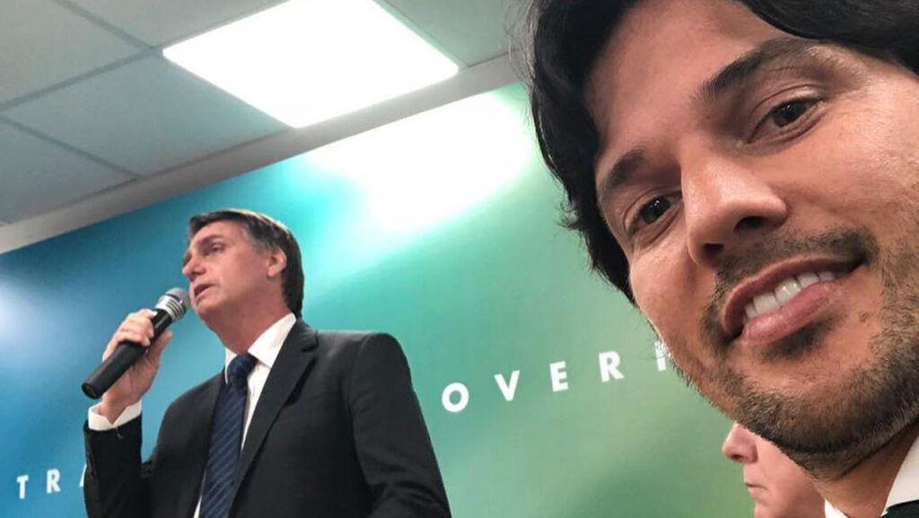 """Fábio Faria tem a """"simpatia"""" do clã Bolsonaro"""