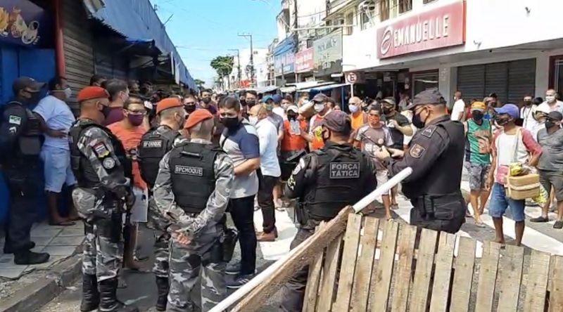 PM acompanha protesto pacífico no bairro Alecrim