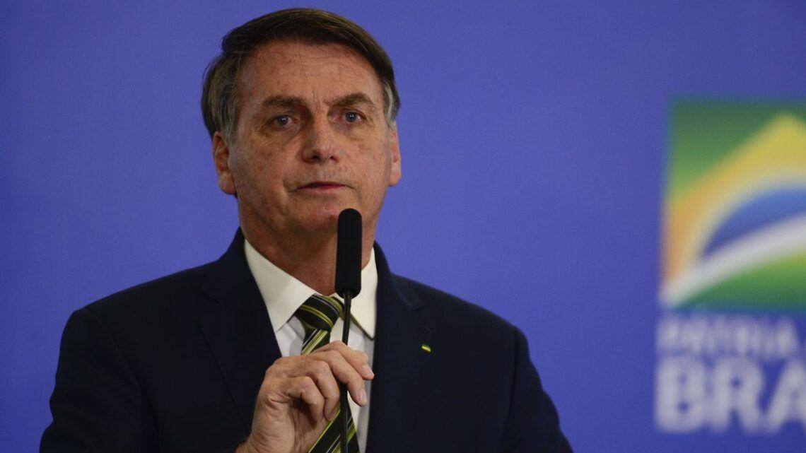 Bolsonaro diz que auxílio emergencial não pode continuar por muito tempo
