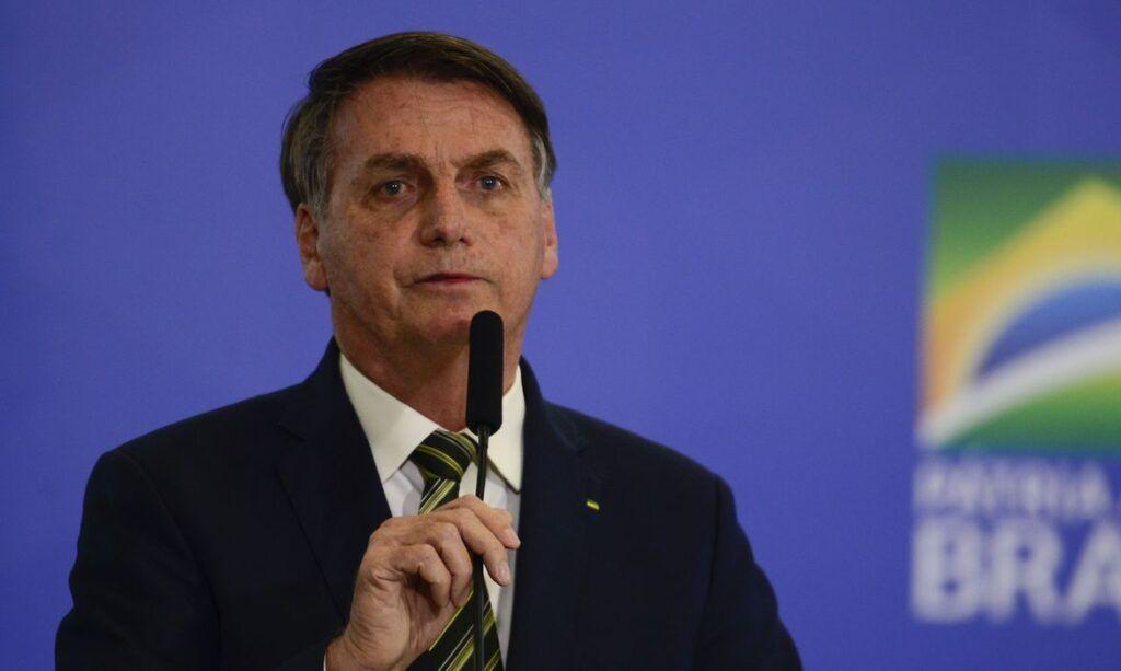 """""""A gente não pode gastar mais R$ 100 bilhões"""", diz Bolsonaro sobre o auxílio emergencial"""