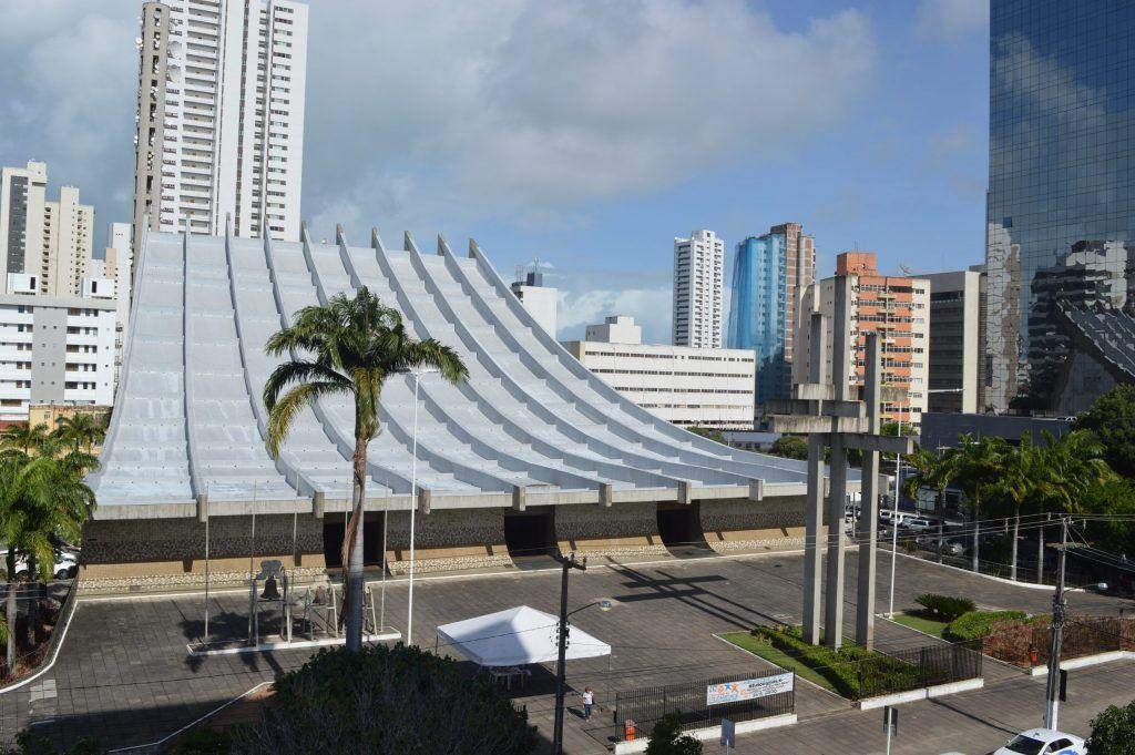 Álvaro Dias autoriza reabertura de igrejas e templos religiosos em Natal