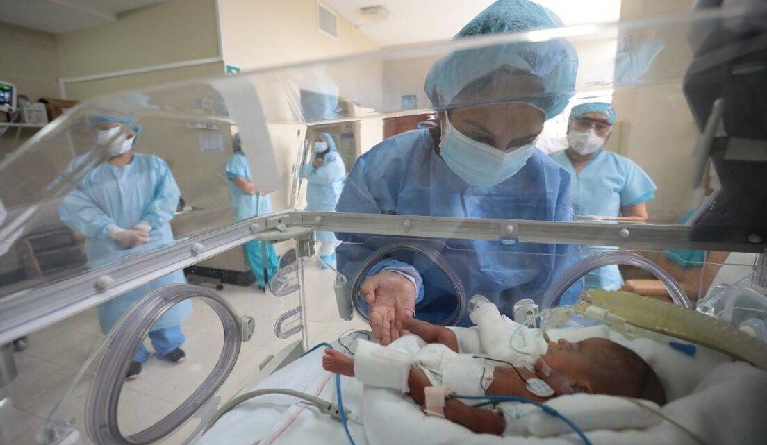 Bebê prematuro com apenas 580 gramas supera a Covid-19