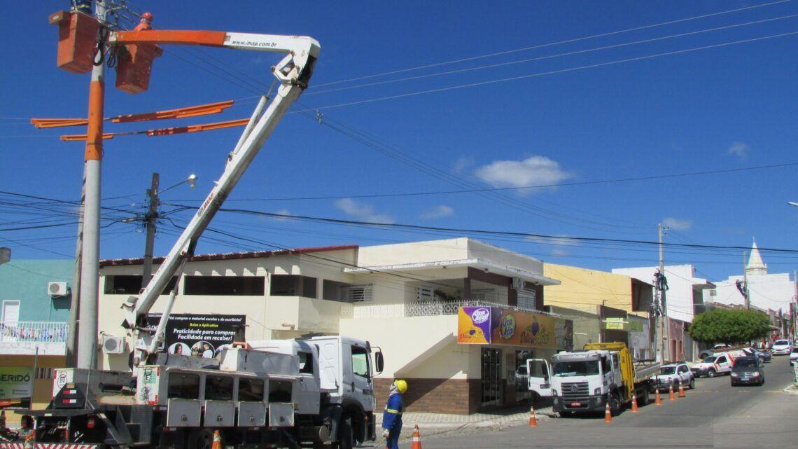 Cosern realiza obra de modernização em rede elétrica de Currais Novos