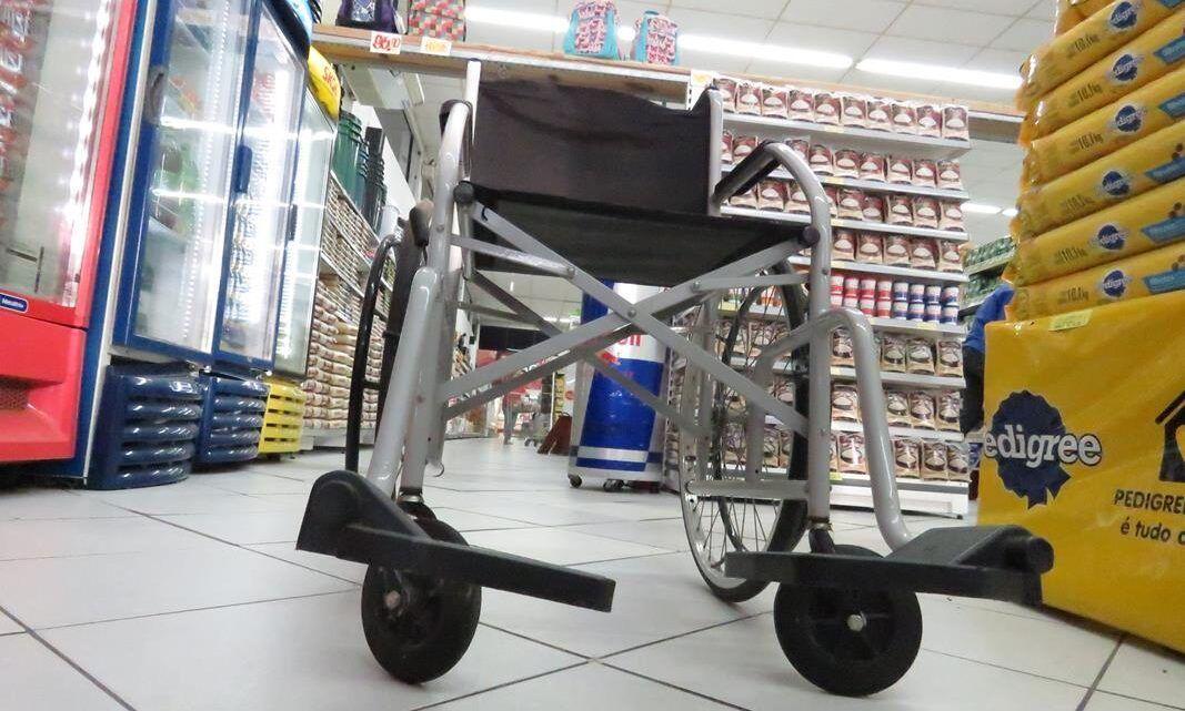 Decreto autoriza acompanhante para pessoas com deficiência no comércio de Natal