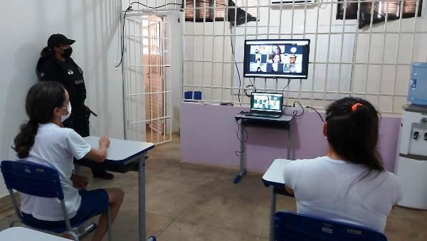 Internos do sistema prisional iniciam curso superior pelo IFRN