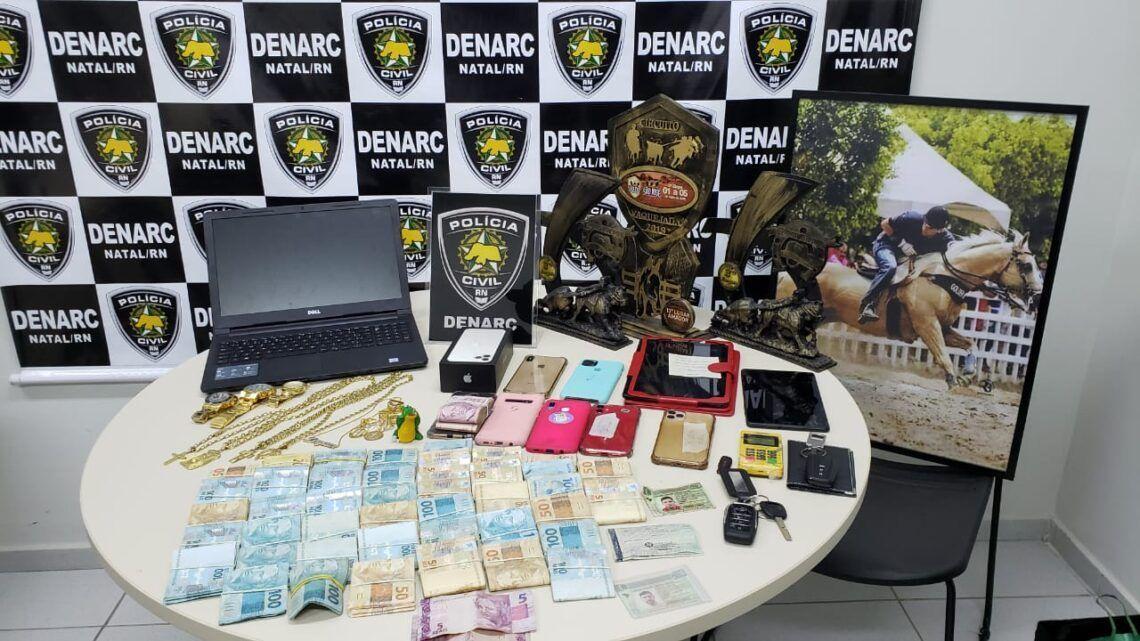 """Polícia Civil deflagra operação """"Alligator"""", prende 8 e sequestra bens avaliados em R$ 2 milhões"""