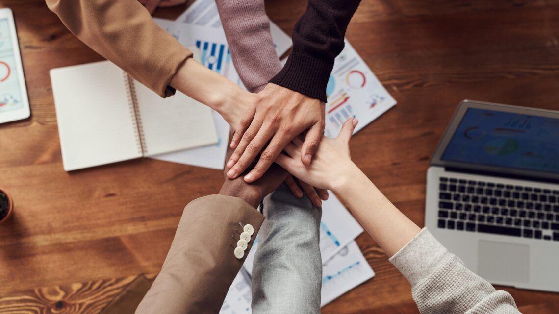 7 maneiras de promover e manter a felicidade dos colaboradores e a produtividade da empresa
