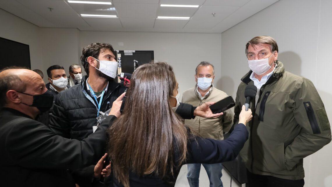 Bolsonaro veta PL que indenizaria profissionais da saúde