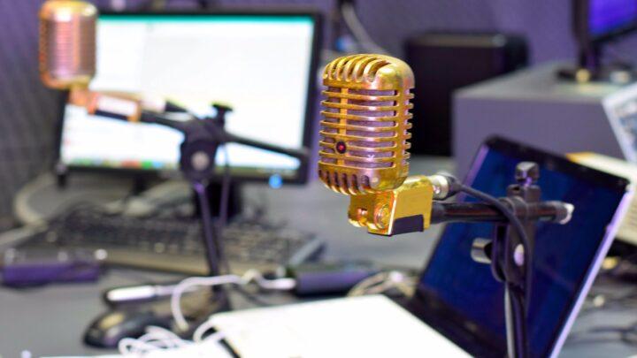 Fátima sanciona Lei de fomento à Radiodifusão Comunitária