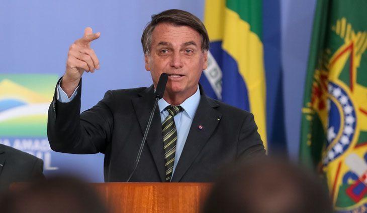 Após demissões, Bolsonaro faz trocas em 6 ministérios do governo