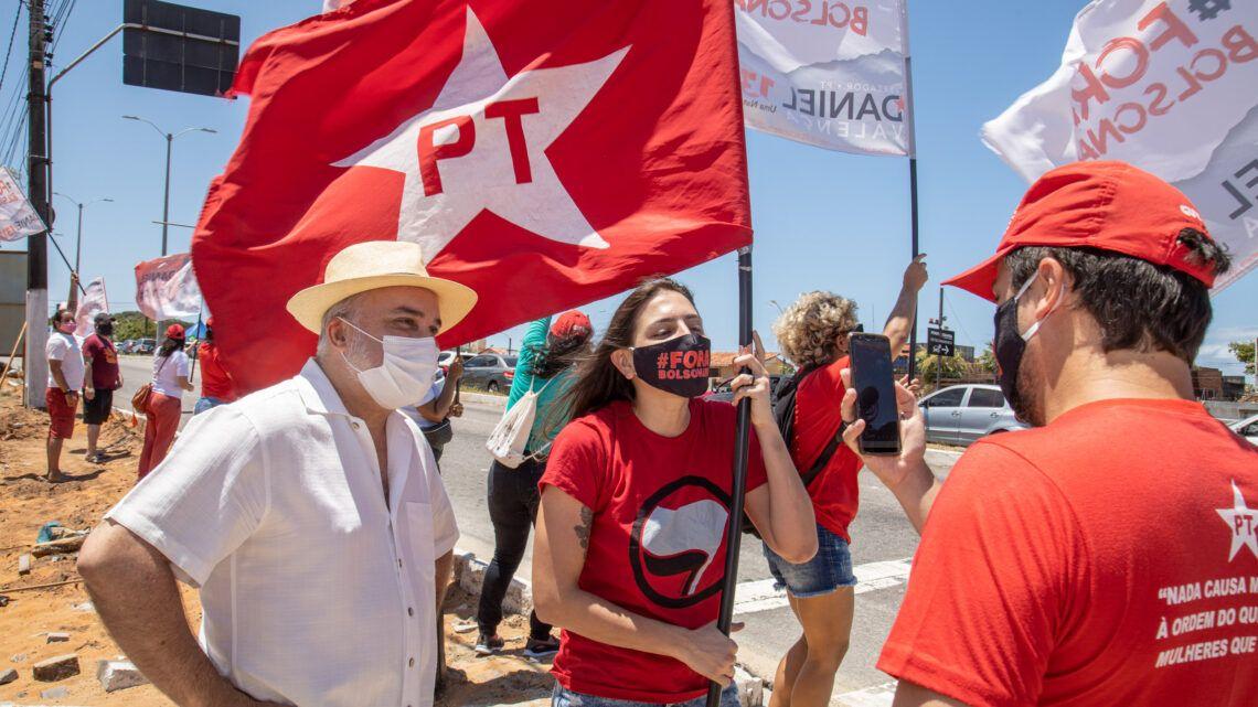 Senador Jean inicia campanha participando de bandeiraço em Ponta Negra