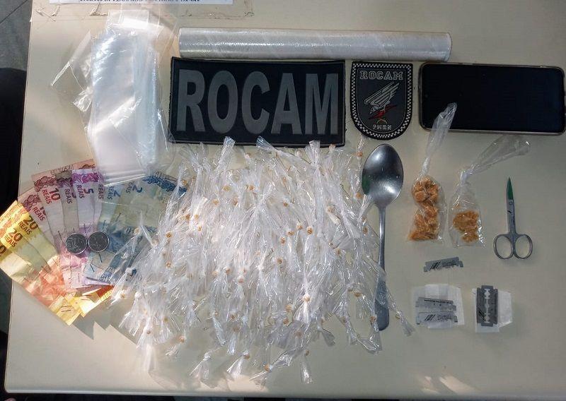 Suspeita de tráfico de drogas, mulher é presa em Parnamirim