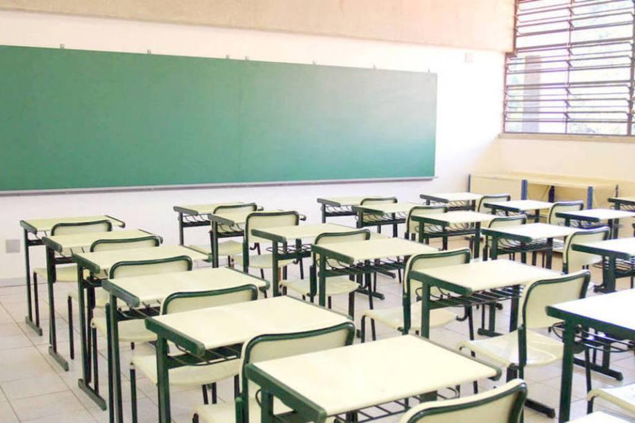 Fátima autoriza volta às aulas presenciais nas escolas do RN