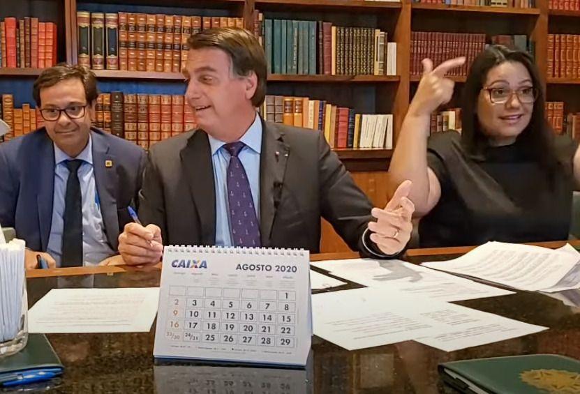 """""""Vão pedir auxílio para quem tirou seu emprego"""", diz Bolsonaro"""