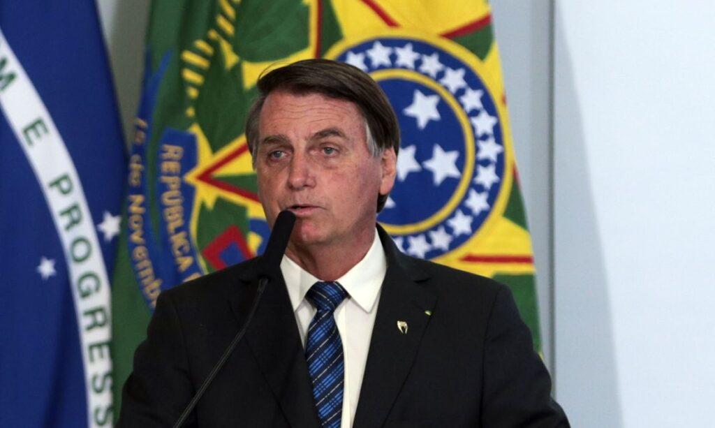 Bolsonaro diz que Brasil está 'quebrado' e que 'não consegue fazer nada'