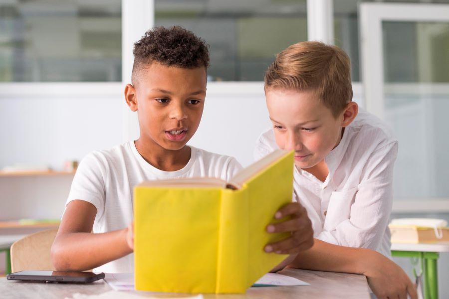 Saiba a importância de inserir a literatura na vida das crianças
