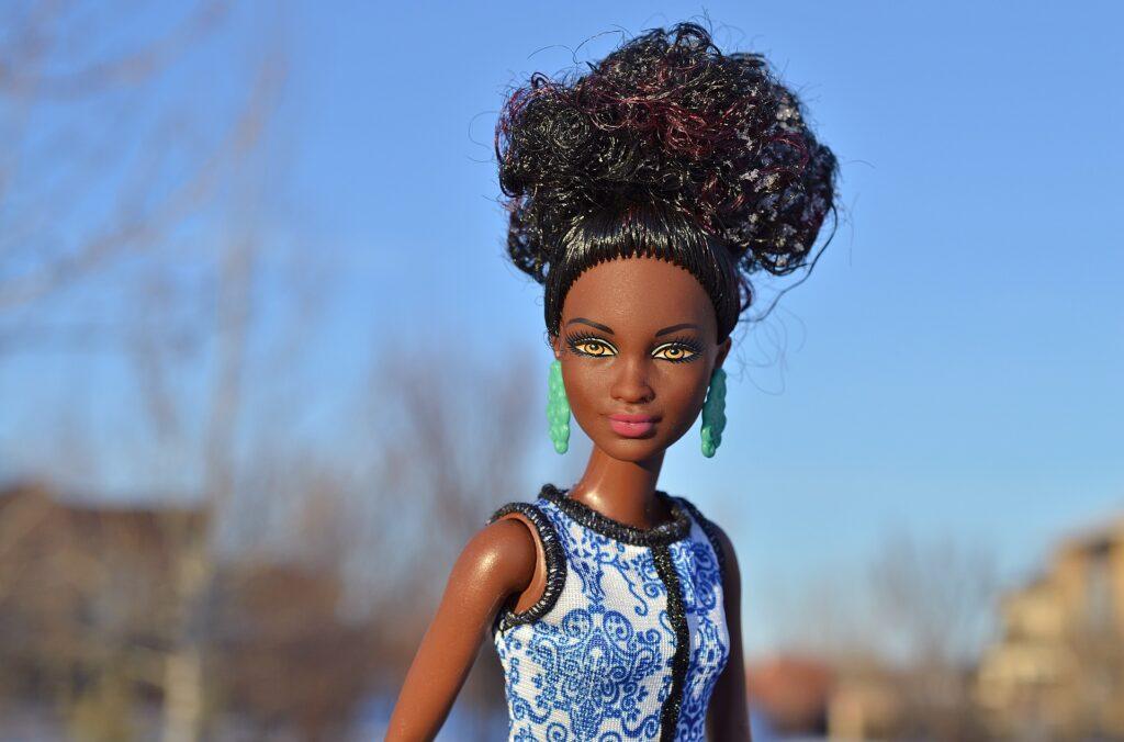 Cadê minha boneca? Falta de representatividade racial nos brinquedos chama a atenção