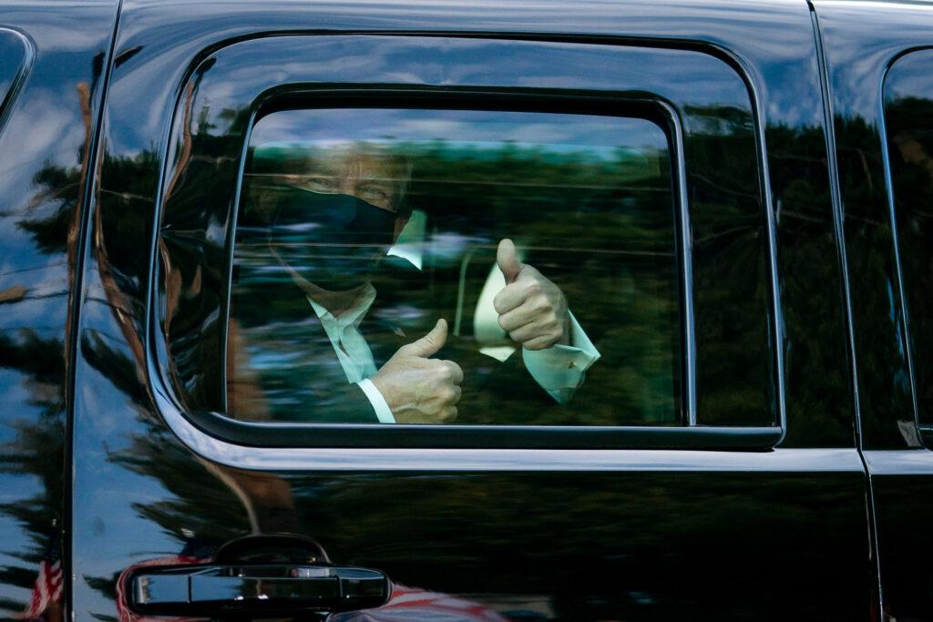 'Não tenham medo da Covid', diz Trump após deixar hospital