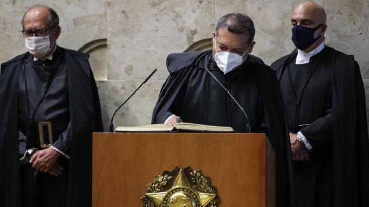 Ação no STF contra foro privilegiado de Flávio fica com Kassio Nunes, ministro indicado por Bolsonaro