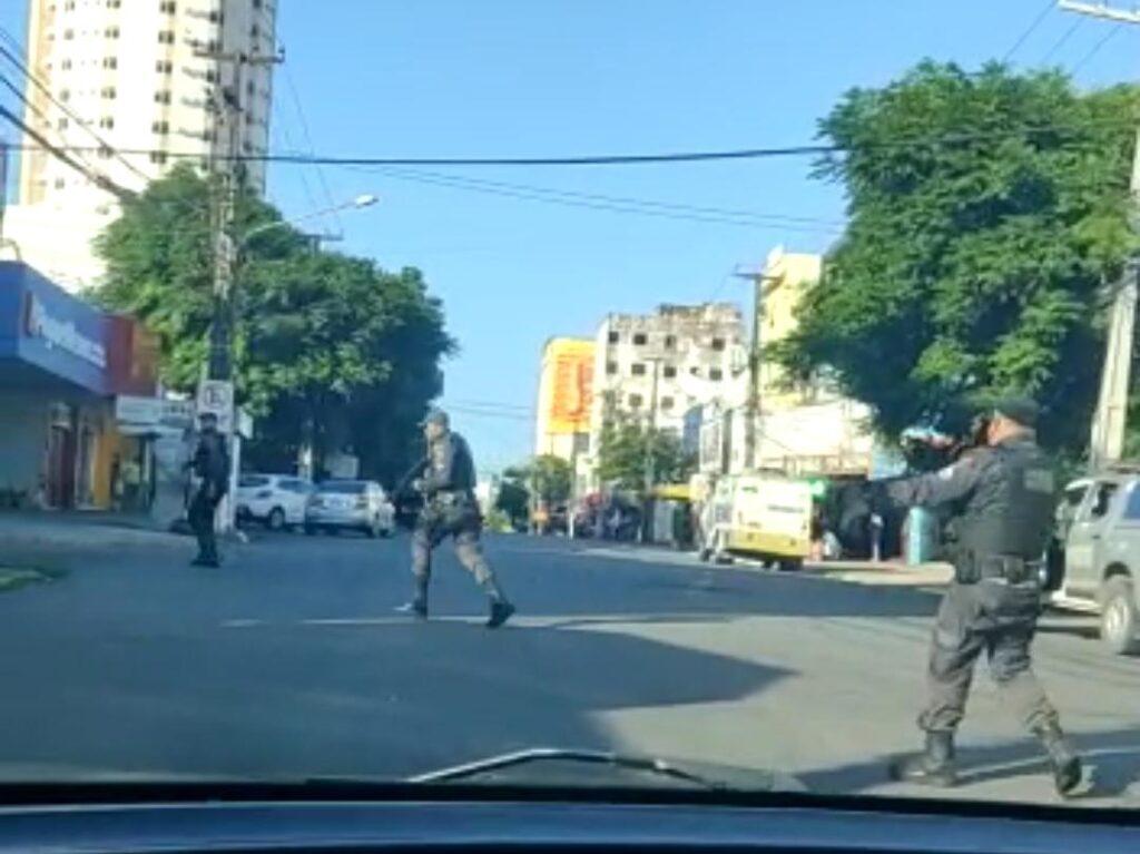 Bandidos trocam tiros com a polícia militar no Centro de Natal