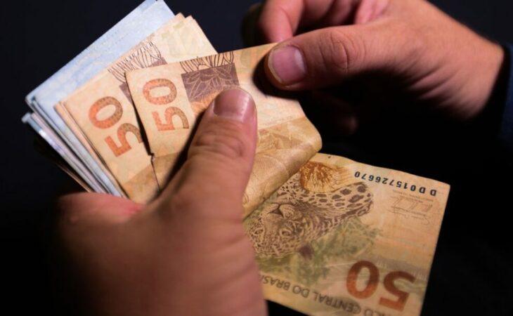 Salário mínimo de 2022 pode chegar a R$ 1.155