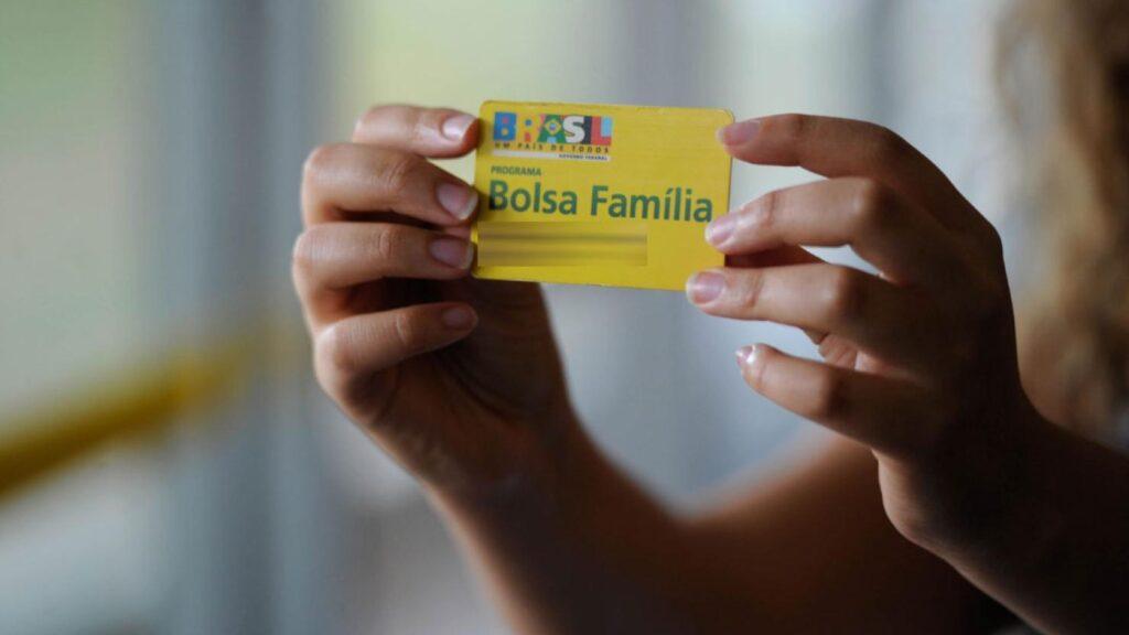Bolsa Família: Governo deve incluir mais 200 mil beneficiários e criar auxílio por mérito