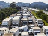 Caminhoneiros convocam nova assembleia para mobilizar greve