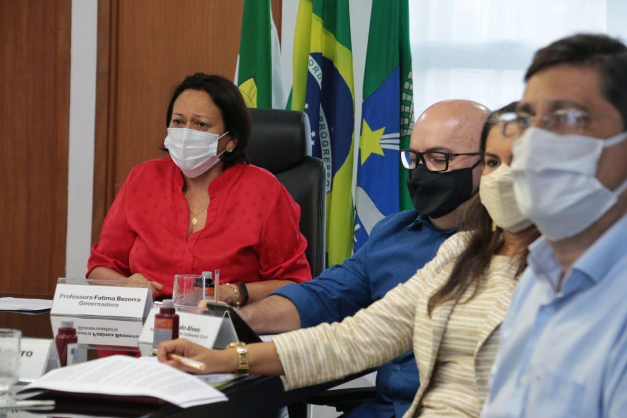 Fátima Bezerra anuncia calendário para pagamento do 13° salário atrasado de 2018