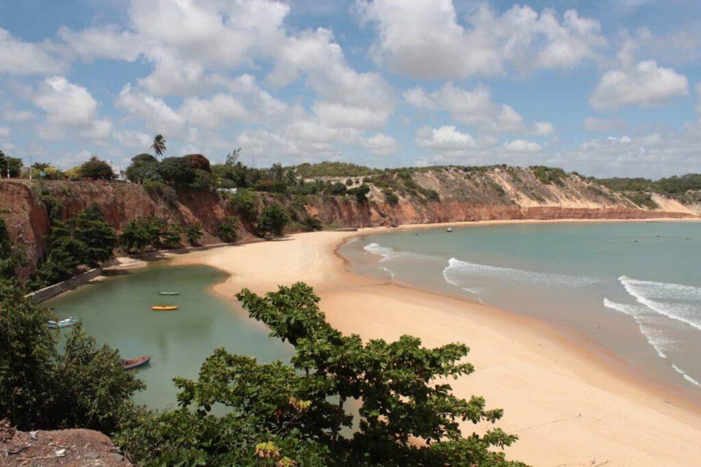 Ministro do Turismo vai apurar destruição de obra em Baía Formosa