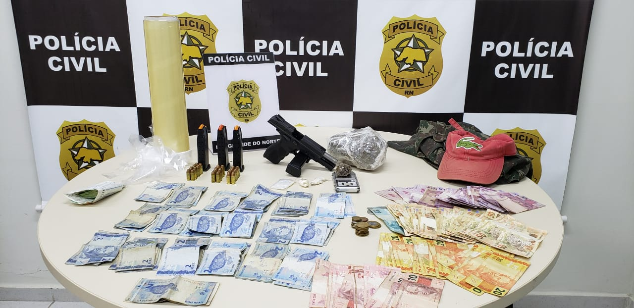 Polícia Civil prende homem com armas e drogas em Mãe Luiza