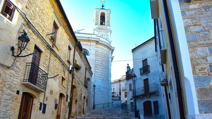 """Pequena cidade na Itália oferece casas antigas """"por apenas um euro"""""""