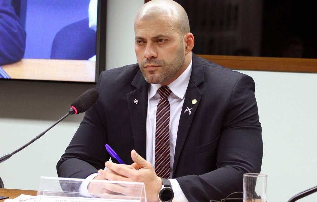 PSL decide expulsar deputado bolsonarista que atacou o STF