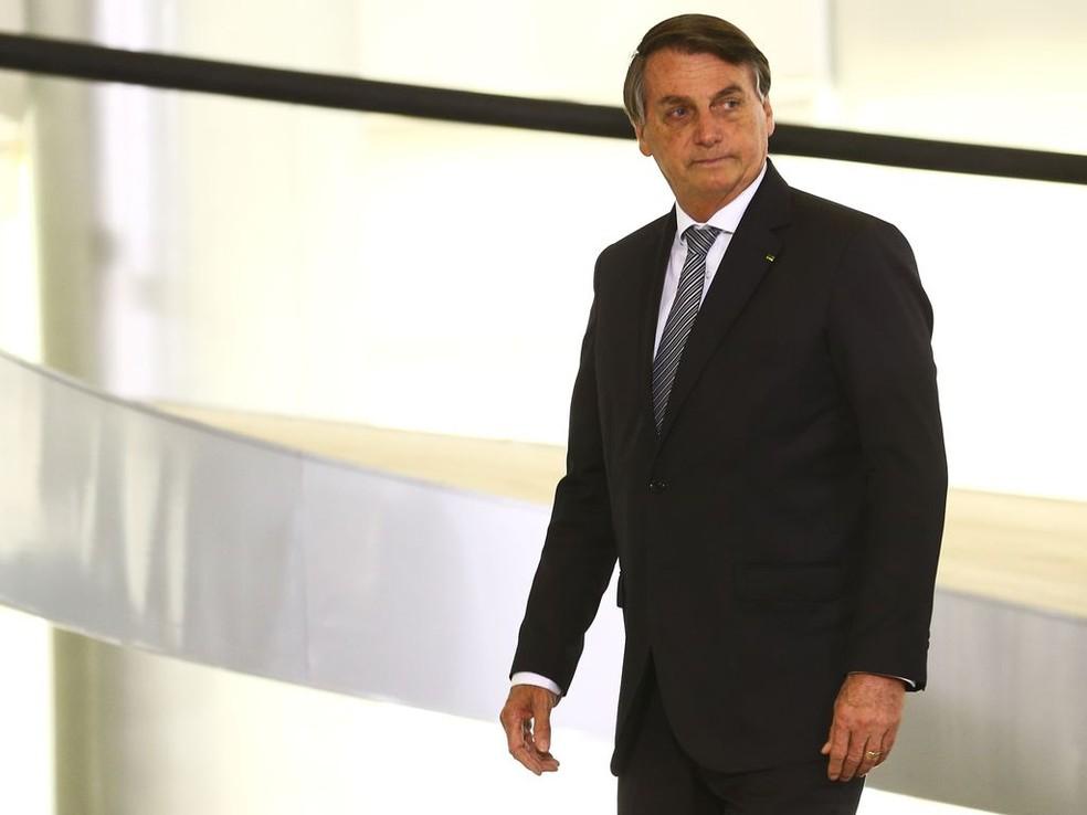 """""""População deveria cobrar auxílio emergencial de governadores"""", diz Bolsonaro"""