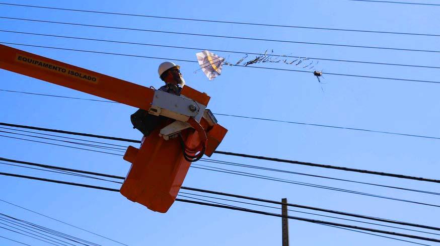 Aneel suspende corte de energia de famílias de baixa renda