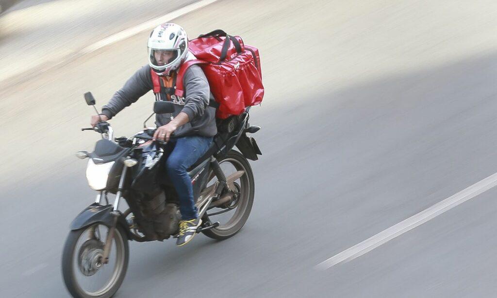 Deputado do RN pede inclusão de motoboys e academias na lista de atividades essenciais