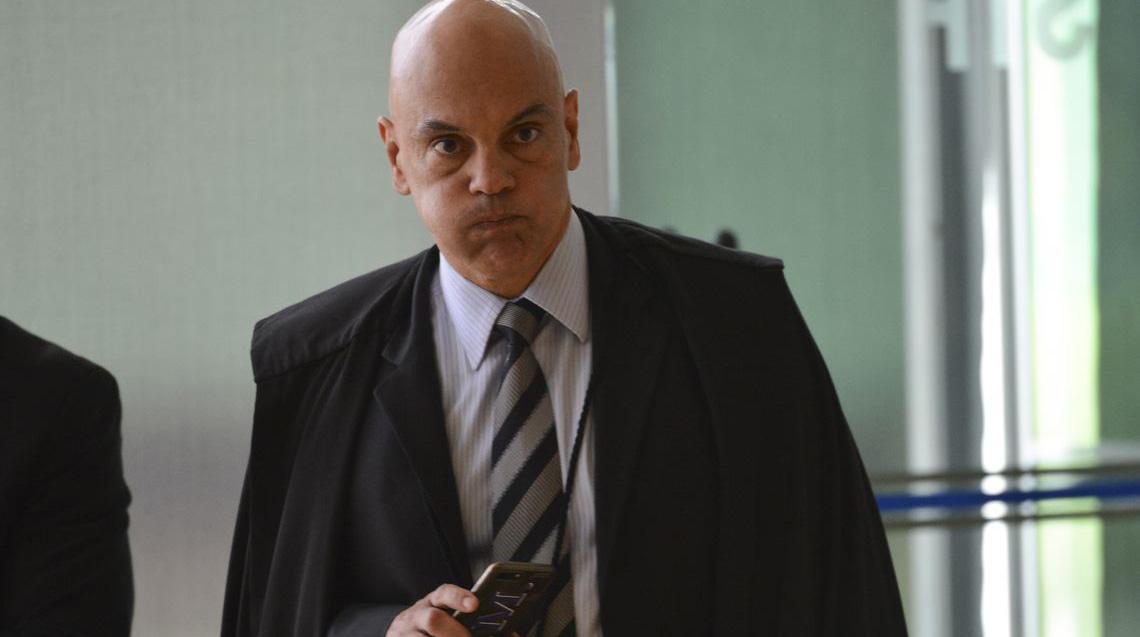 Girão e Styvenson apresentam pedido de impeachment do ministro Alexandre de Moraes