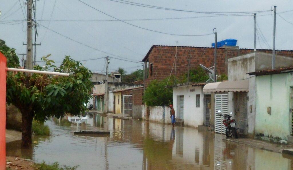 Justiça manda e Prefeitura do Natal deve drenar ruas do bairro Pajuçara em até 180 dias
