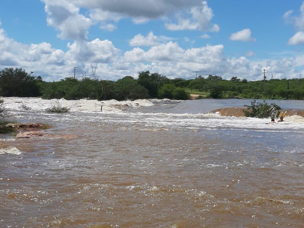 Mãe de criança morta por afogamento em barragem do RN será indenizada em R$ 100 mil