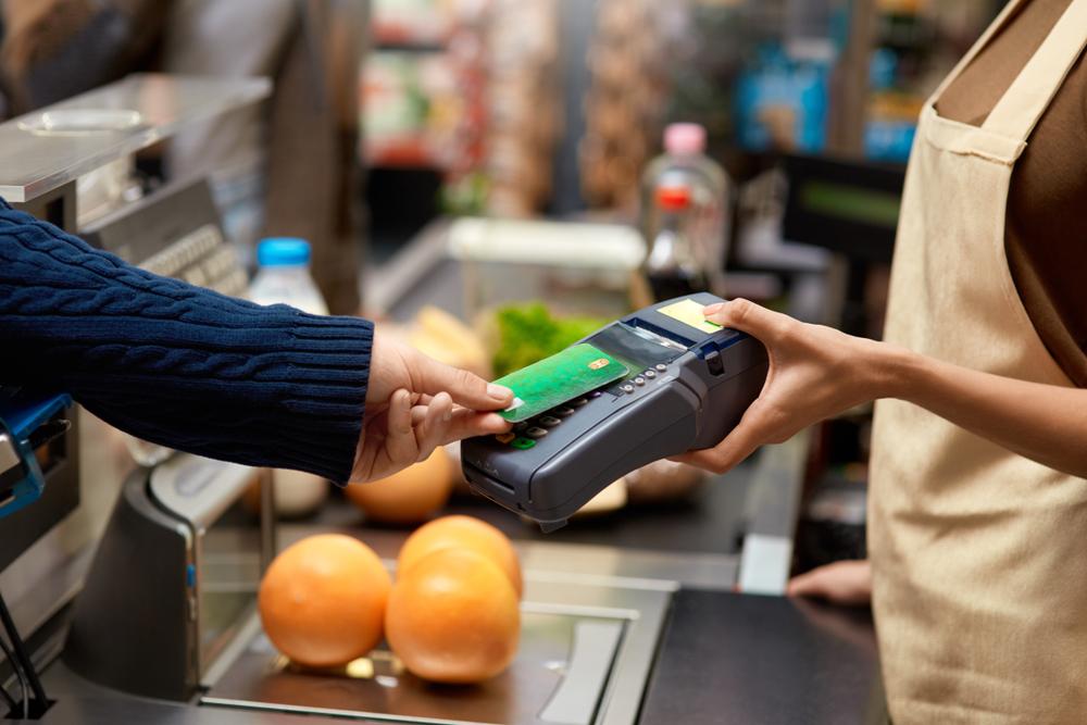 Meios eletrônicos de pagamento estimulam consumo e aquecem vendas