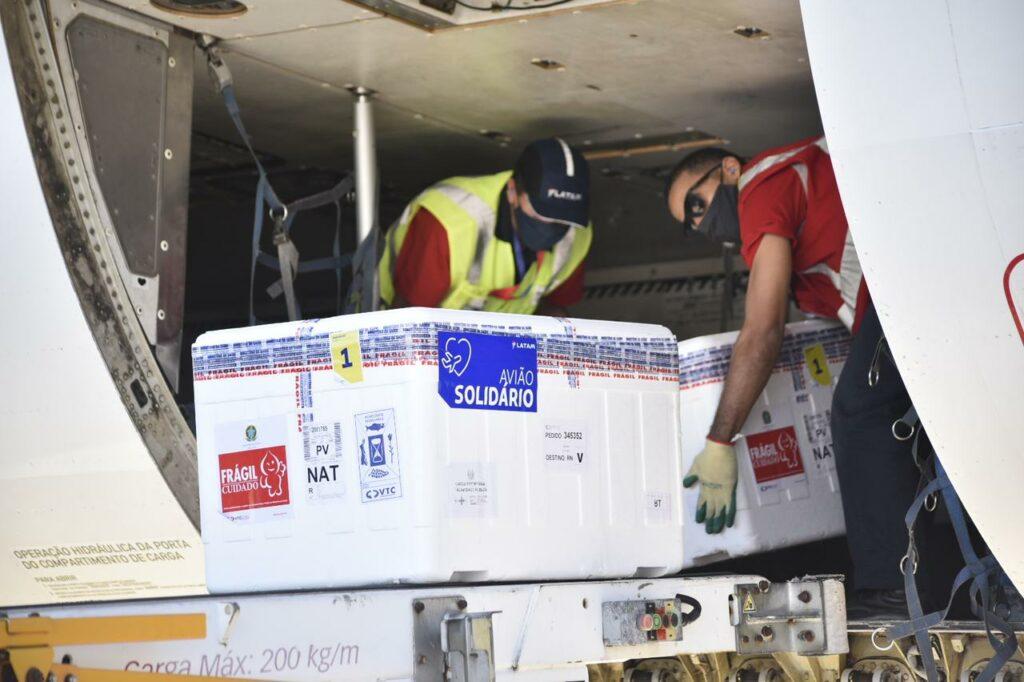 RN recebe novo lote com mais de 81 mil vacinas contra Covid-19